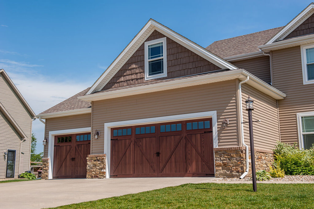 des moines area flush panel garage door