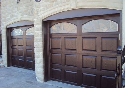 Mahogany Fiberglass High-Definition Garage Door with Arched Monticello Windows