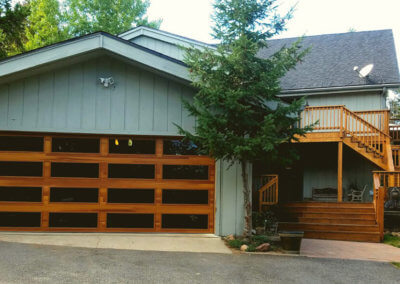 Garage Door in Cedar Accents Woodtones