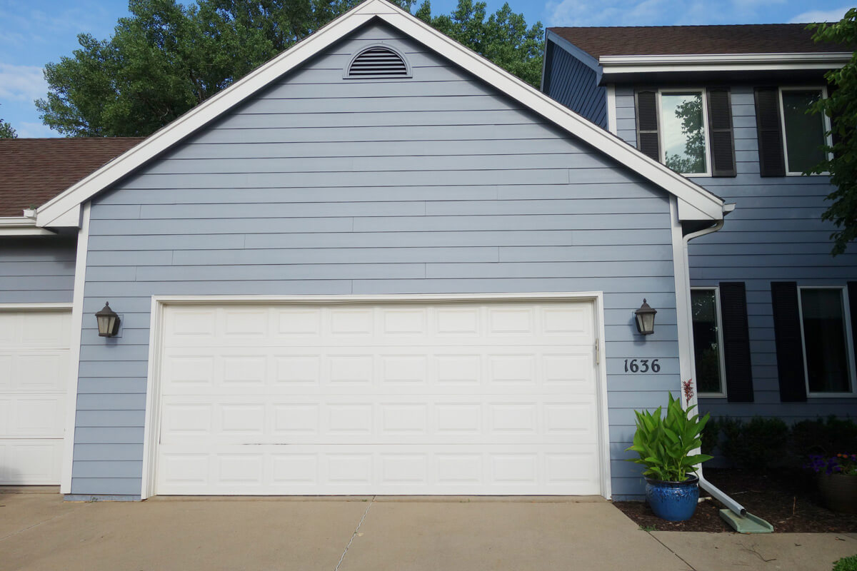 Superieur Garage Doors And Openers In The Des Moines Area   Amega