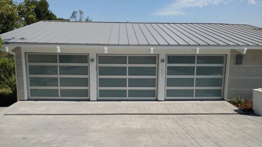 Spring Cleaning Tips: Garage Doors